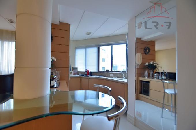 Apartamento residencial à venda, Batel, Curitiba - AP0192.