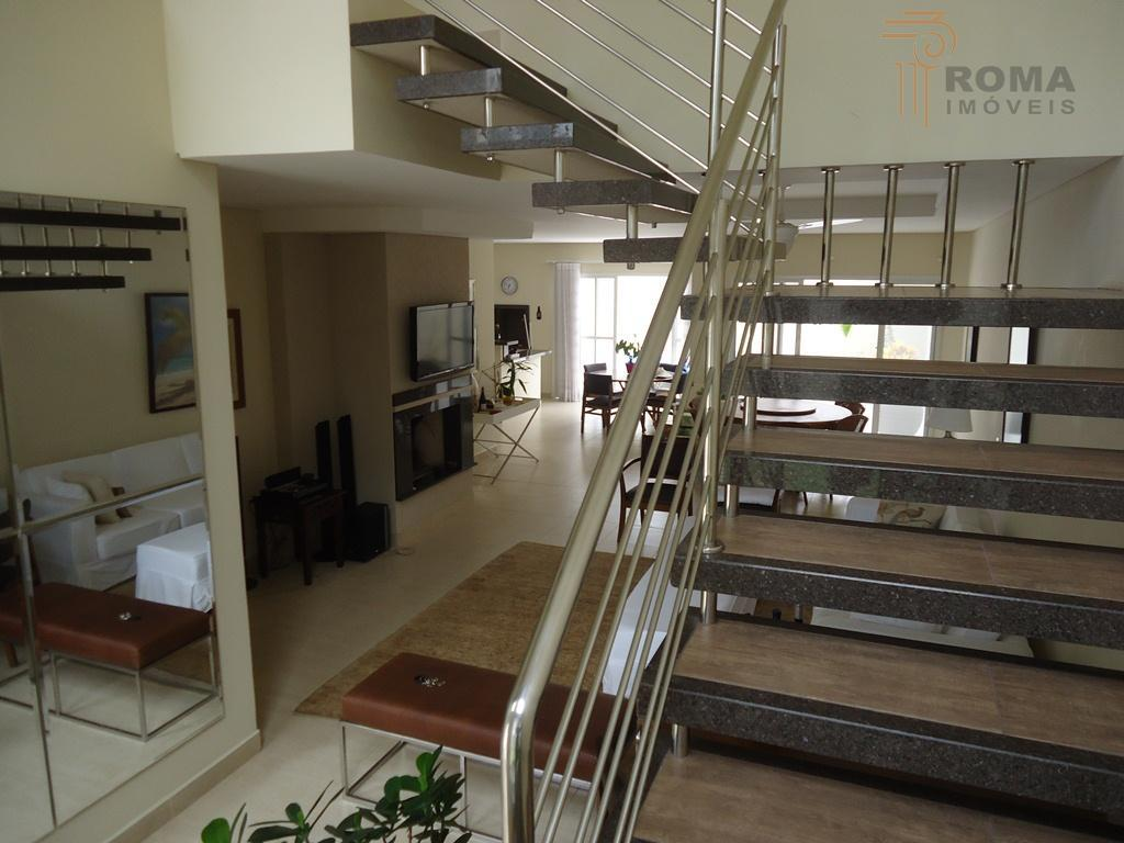 residência a 200m do mar!1º piso: hall de entrada, sala de jantar com lareira, sala de...