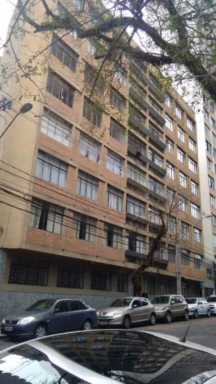 Apartamento residencial para locação, Centro, Curitiba - AP0299.