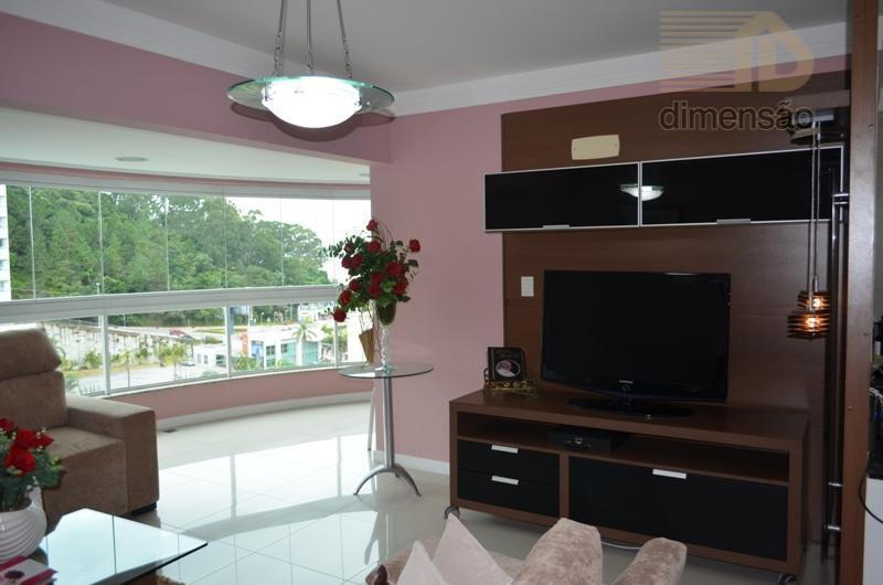 apartamento com 1 suíte e 2 demi-suítes. mobiliado e decorado. quartos com ar condicionado, tvs nos...