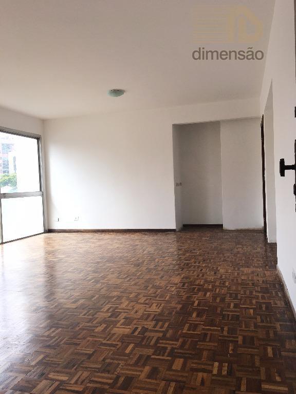 ótimo apartamento com:1 suíte2 dormitóriossala ampla , sacadabanheiro social,cozinhaárea de serviçodependência de empregada2 vagas de garagem.condomínio...
