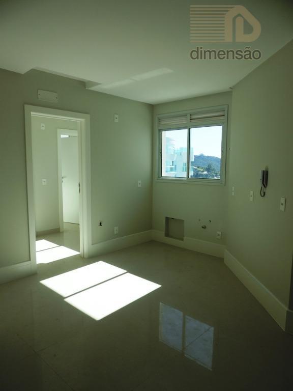 apartamento cobertura duplex com vista panorâmica. piso inferior com 3 suítes, sala para 2 ambientes com...
