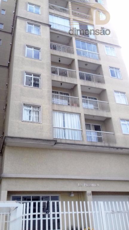 Apartamento semimobiliado com 02 dormitórios no Bairro Portão