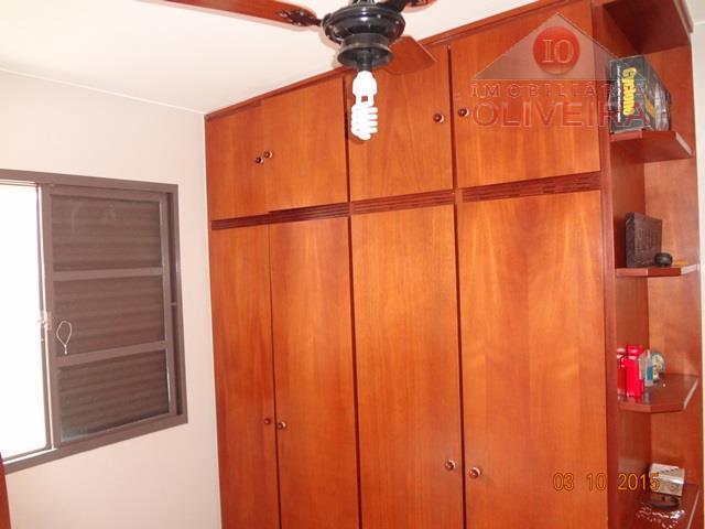 casa: 03 quartos (sendo 01 suíte), sala 02 ambientes, cozinha planejada, wc social, varanda, área de...
