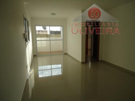 apartamento: 2 quartos (1 suíte), wc social, blindex, sala, sacada, cozinha, lavanderia, garagem 1 carro.
