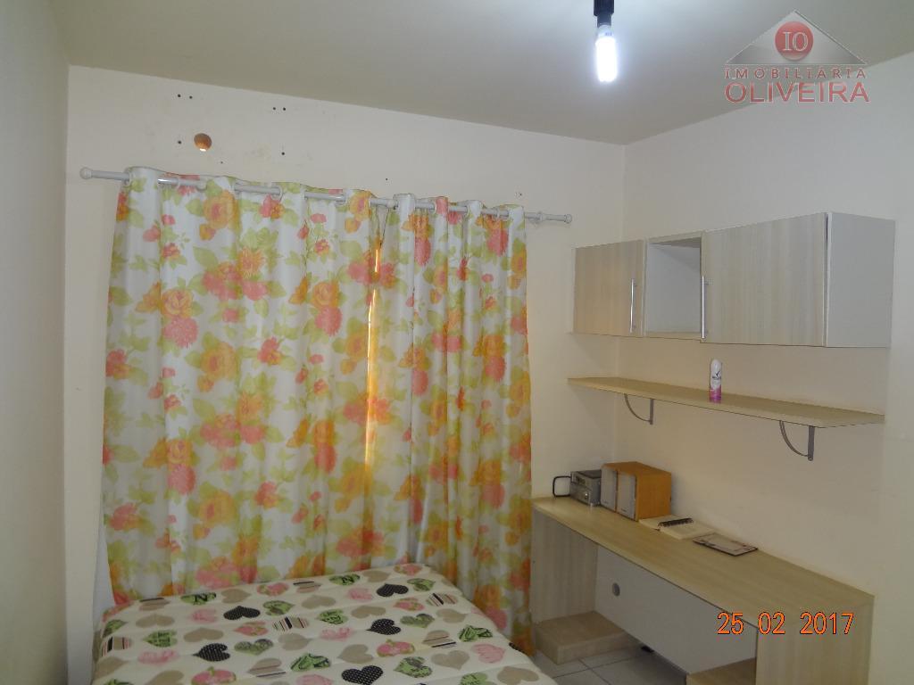 02 quartos com armários, wc social, blindex, gabinete, sala, cozinha planejada, lavanderia, garagem para 01 carro...