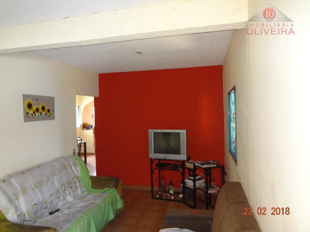 casa: 3 quartos(1 suíte), wc social, cozinha, copa, sala 2 ambientes, área de serviço com 2...