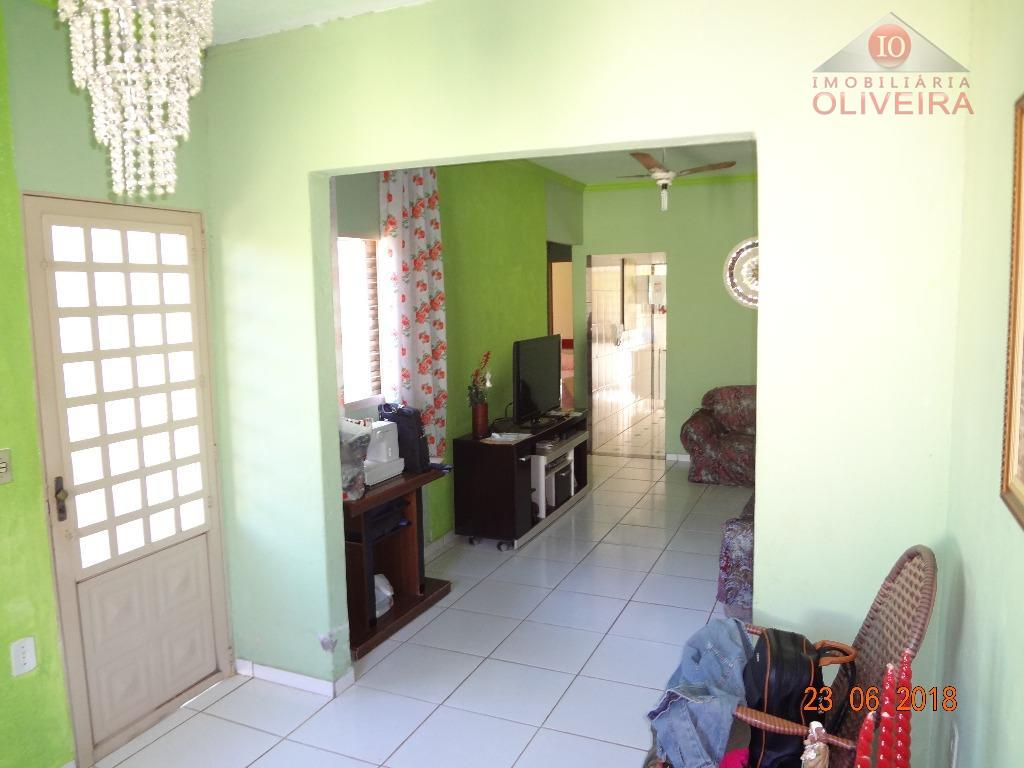 casa 3 quartos, sala de star, sala de tv, copa com balcão , cozinha, wc social,...