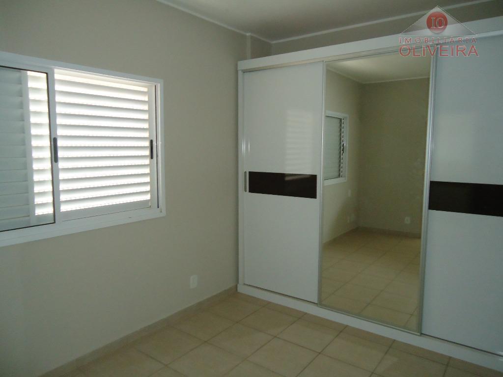 apartamento 3 quartos (1 suite), 1 quarto com armário, wc social,blindex, gabinete, sala, sacada, cozinha planejada,...