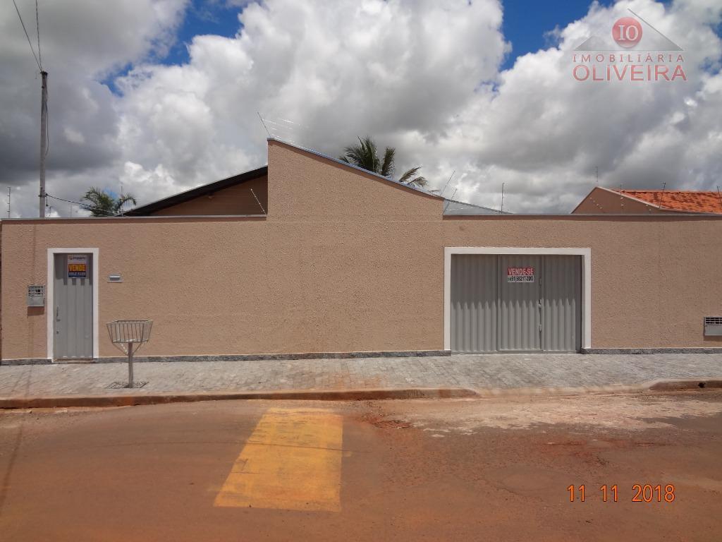 Casa com 3 dormitórios à venda, 130 m² por R$ 265.000
