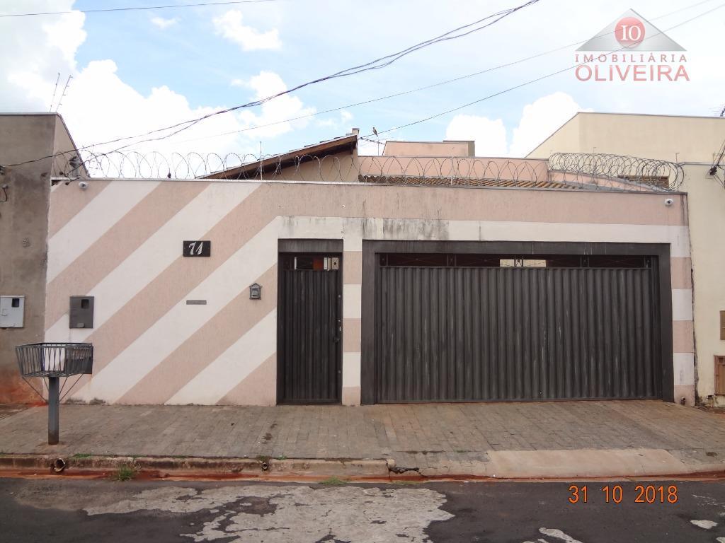 Casa com 3 dormitórios à venda, 147 m² por R$ 265.000