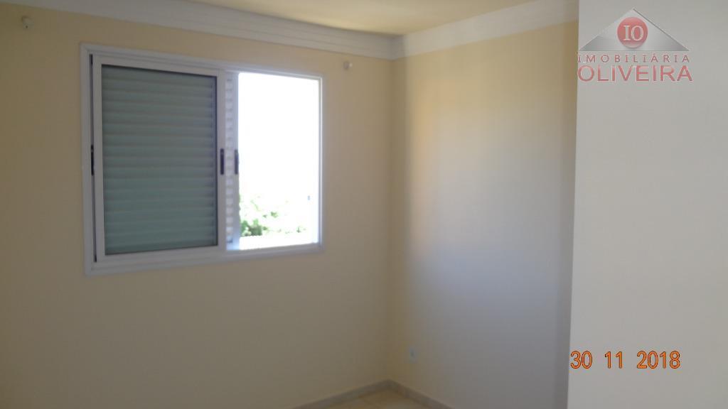 apto 2 quartos sendo 1 suite, sala , cozinha, wc social , area de serviço, garagem...