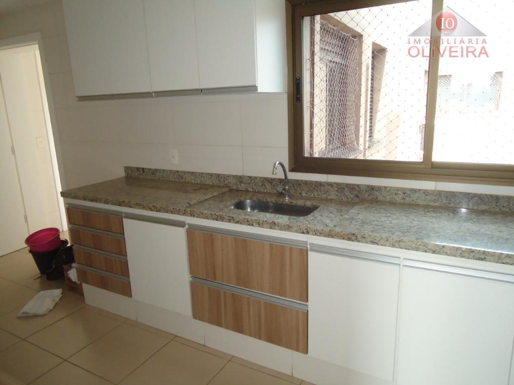 apto : 3 suítes com armários, sala 3 ambientes, varanda goumet, cozinha planejada, lavabo , lavanderia...