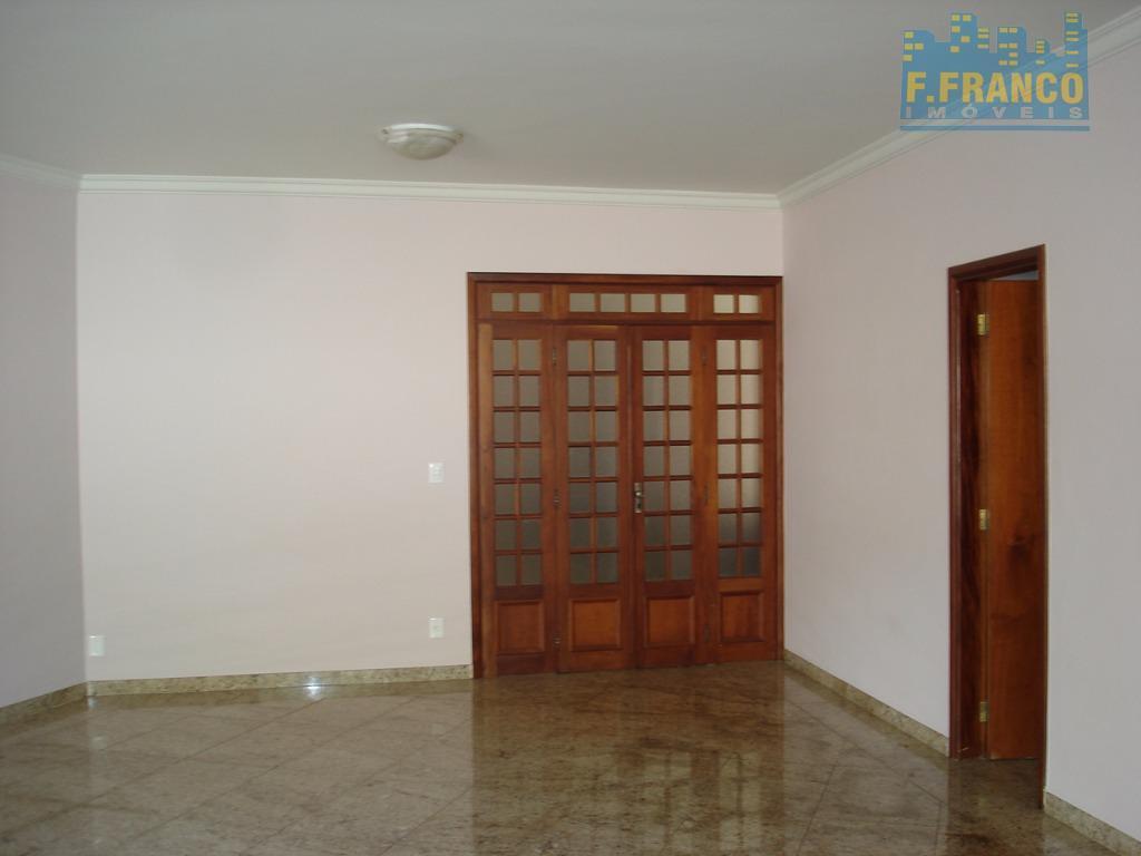 Casa residencial à venda ou locacao, Mercês, Uberaba.