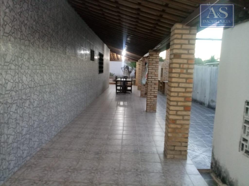 escritura pública, toda na cerâmica, arrodeada de alpendre.área total 698,75m²área construída 117,39m²02 salas02 quartos01 suíte01 banheiro01...