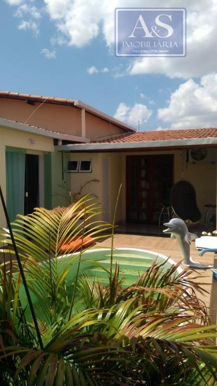 Casa residencial à venda, Abolição, Mossoró.