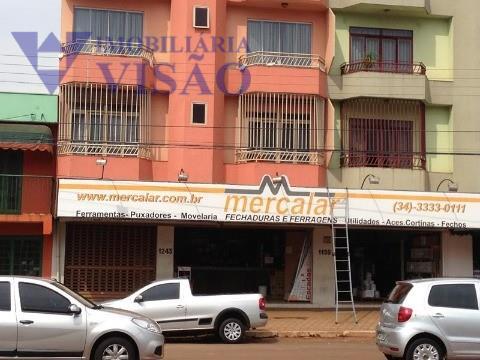 Sala comercial à venda, São Benedito, Uberaba - SA0104.