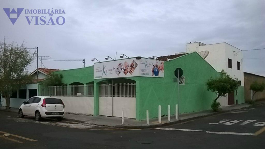 Casa residencial à venda, Conjunto Cássio Rezende, Uberaba.
