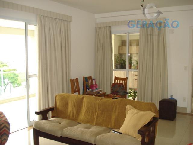 Apartamento 4 dormitórios sendo 3 suites.