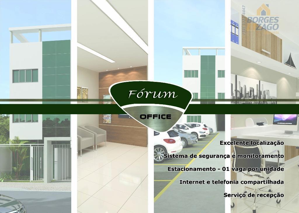 sala comercial próximo ao novo fórum, banheiro com bancada em granito, 01 vaga de garagem demarcada....