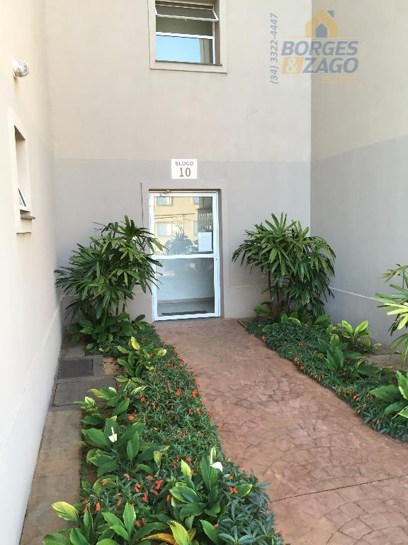 Apartamento  residencial para locação, Parque do Mirante, Uberaba.