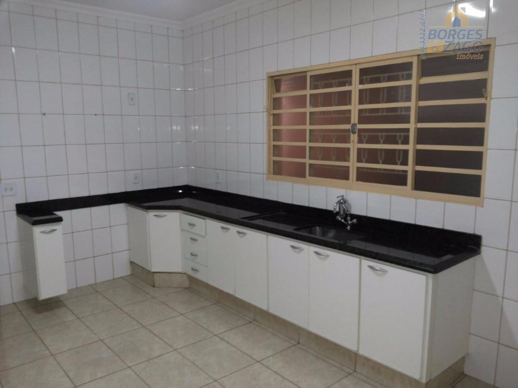 ótima casa com 03 quartos sendo uma suíte com armário, wc social, sala, cozinha ampla com...