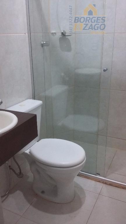 03 quartos sendo 02 suítes com armários, sala 02 ambientes com sacada, banheiro social, cozinha planejada,...