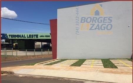 loja de construção nova de 40m², pé direito de 5,70m, estrutura para receber mezanino, construção e...