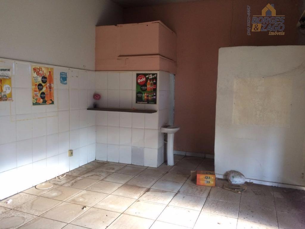 ponto comercial com aproximadamente 50,65m², com cozinha, copa e banheiro. em ótima localização.(56864)