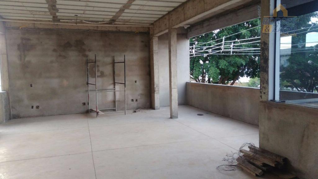 prédio comercial - 5 andares sendo o primeiro (térreo) garagem com portaria, 2º,3º e 4º vão...