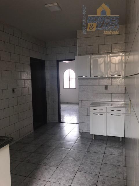 próximo a fazu - 03 quartos sendo 01 suíte, todos com armários, banheiro social, cozinha planejada,...