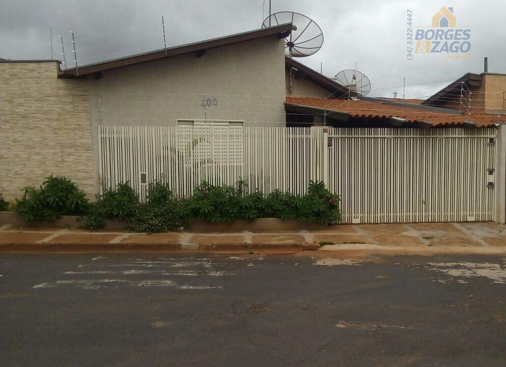 Casa residencial à venda, Conjunto Costa Telles II, Uberaba.