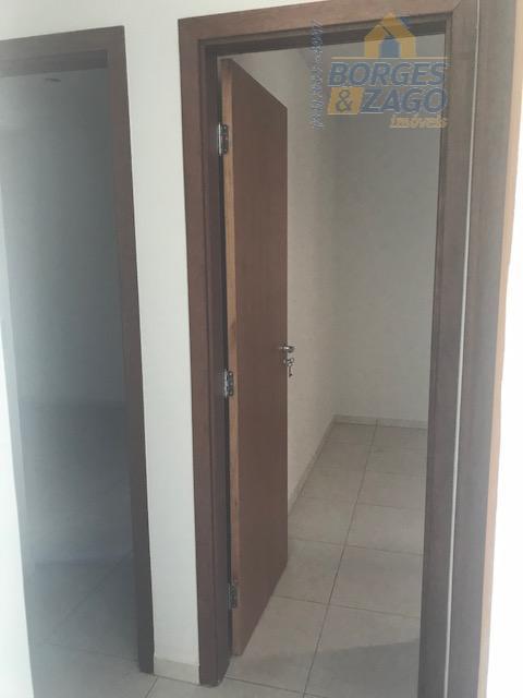02 quartos sendo 01 suíte, banheiro social, sala, cozinha, lavanderia e 01 vaga de garagem.