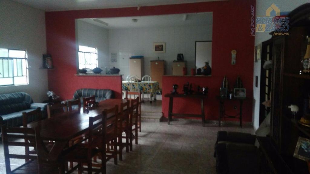 excelente sítio de 2,3 alqueires, todo formado e piquetado. casa com 04 quartos, 03 banheiros, 02...