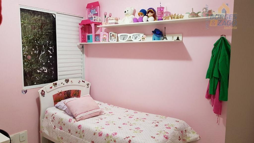 03 quartos todos com armários sendo 01 suite,sala ampla,copa,cozinha,planejada,wc social com box e armário,varanda com churrasqueira,área...