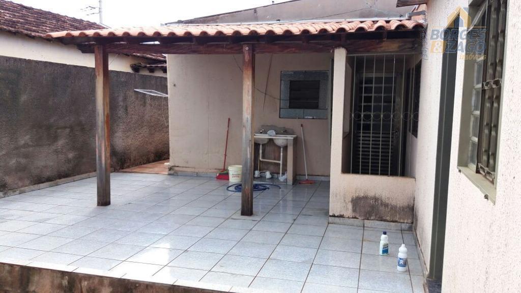 Casa residencial à venda, Vila Militar, Uberaba.