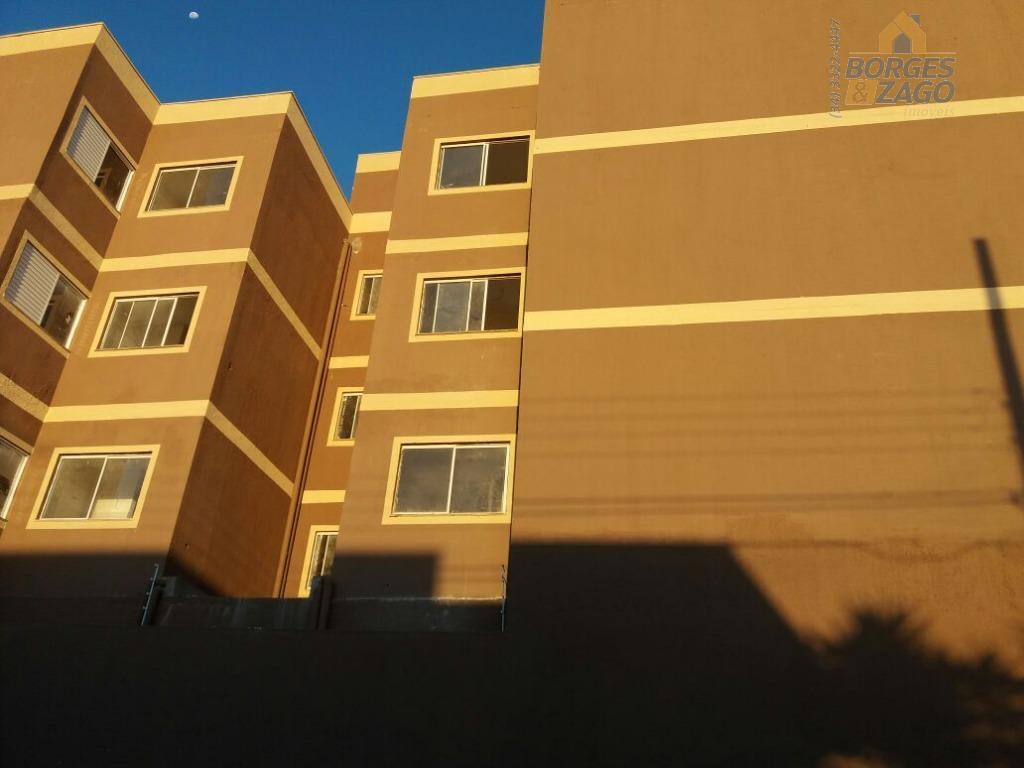 02 quartos,sendo 01 suite,banheiro social,sala,cozinha com bancada em mármore ,lavanderia,sacada.