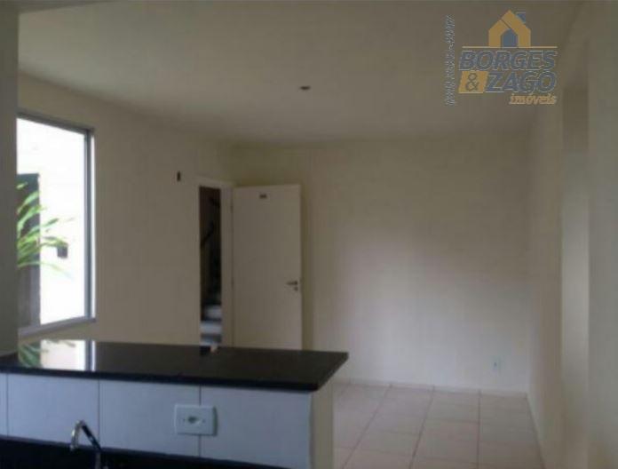02 quartos,sala,cozinha,área de serviço,banheiro social com armário e box em blindex,01 vaga de garagem,área de lazer,portaria...