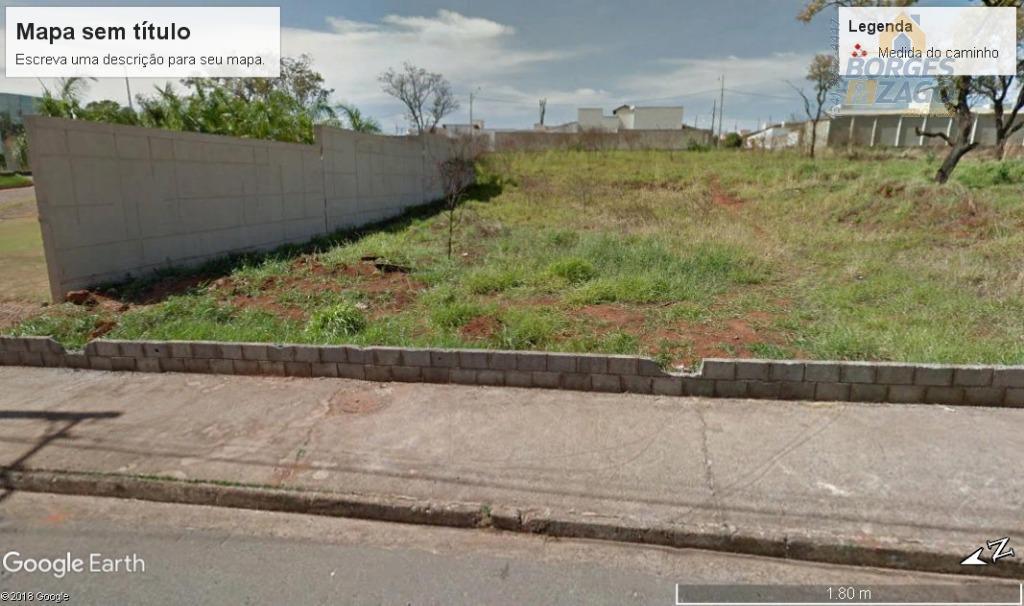 ótimo terreno para construção,sendo 02 terrenos juntos com acesso para duas ruas,sendo um para avenida medindo...