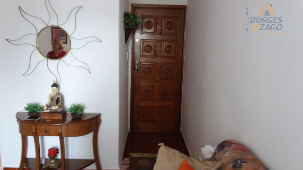 Apartamento residencial para venda e locação, Conjunto Frei Eugênio, Uberaba.