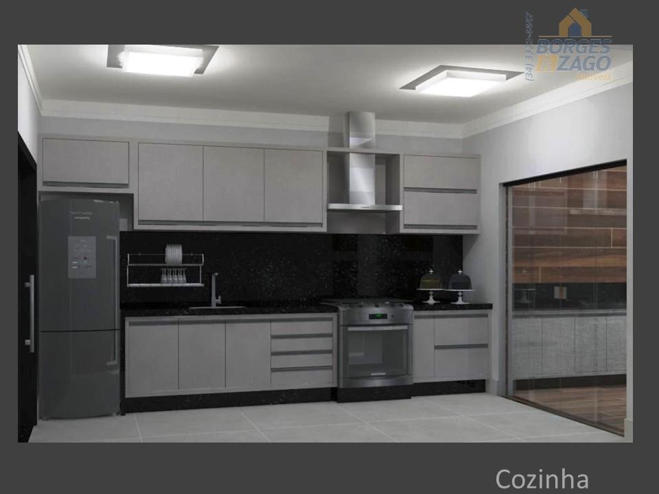 casa em condomínio ,com sala de estar,jantar,home,04 suítes,sendo uma master com closet,lavabo,cozinha,lavanderia,varanda gourmet completa com armários...