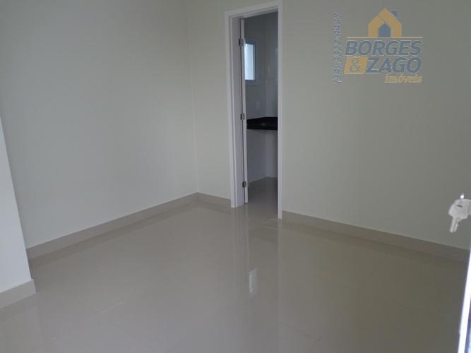 apartamento novo. 03 quartos sendo 01 suíte com sacada, armários, banheiro social, sala com sacada, cozinha,...