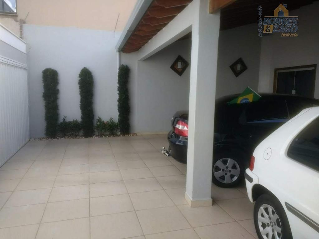 03 quartos sendo uma suite,01 lavabo,02 banheiros,varanda com churrasqueira e piscina infantil,garagem para 03 ou mais...