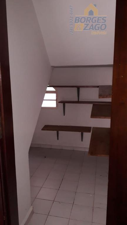 sobrado. 03 quartos sendo 02 suítes com armários e 01 com ar condicionado, lavabo, sala de...
