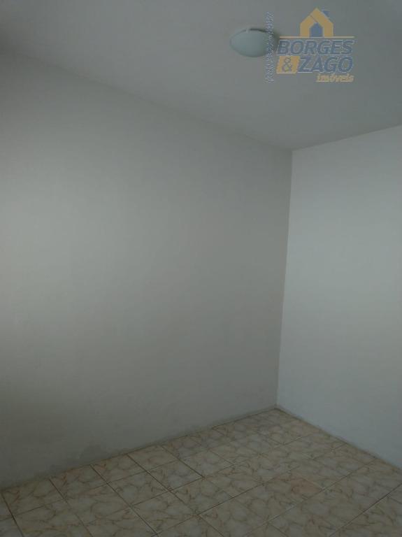 02 quartos, banheiro social, sala, cozinha, lavanderia, quintal e entrada para moto. cód ub: 71107