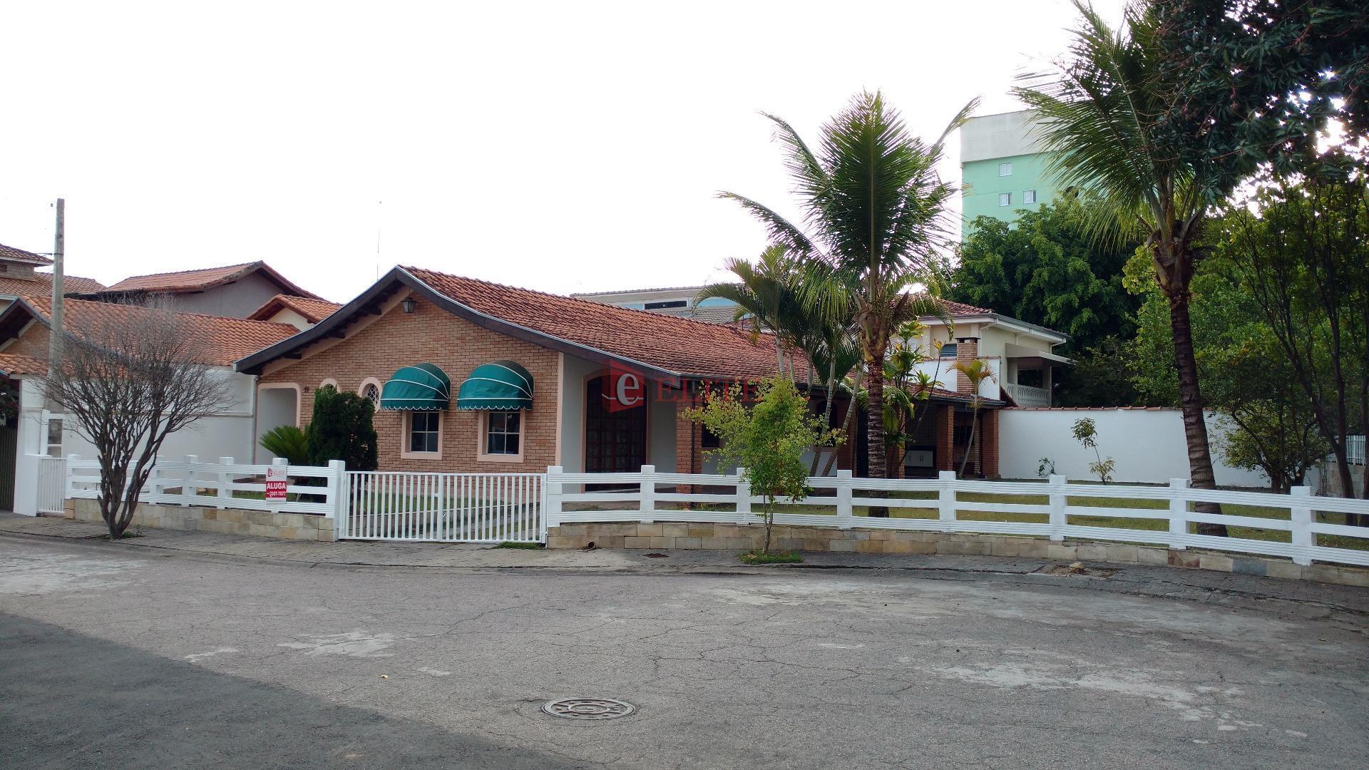 Alugar - Casa térrea condomínio Residencial Jardins, Jardim Satélite, São José dos Campos.