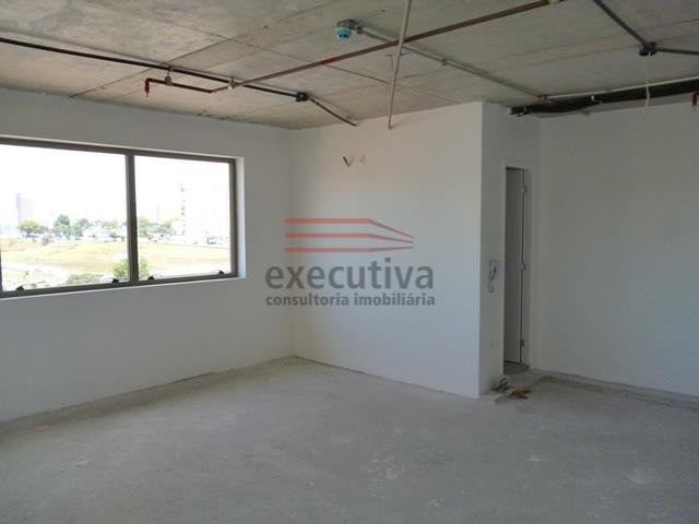EXCELENTE SALA COMERCIAL À VENDA PRÓXIMO AO CENTER VALE SHOPPING