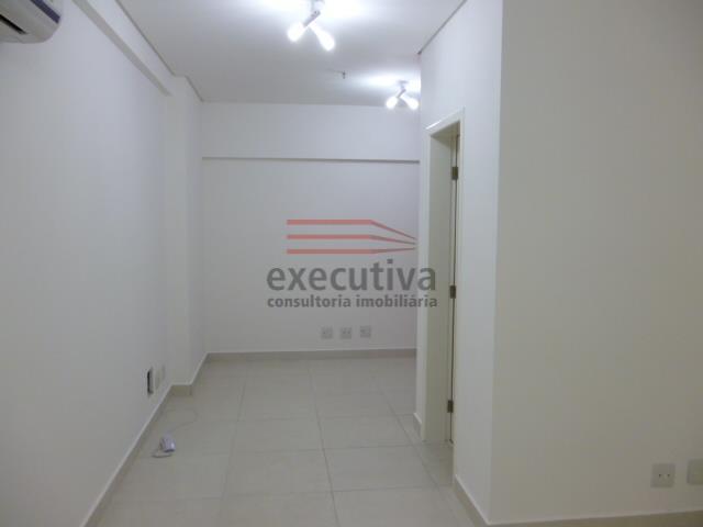 EXCELENTE SALA COMERCIAL PARA LOCAÇÃO NO JD. AQUARIUS