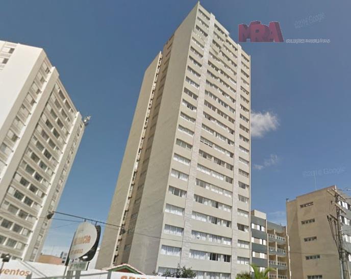 Apartamento espaçoso no Centro Cívico