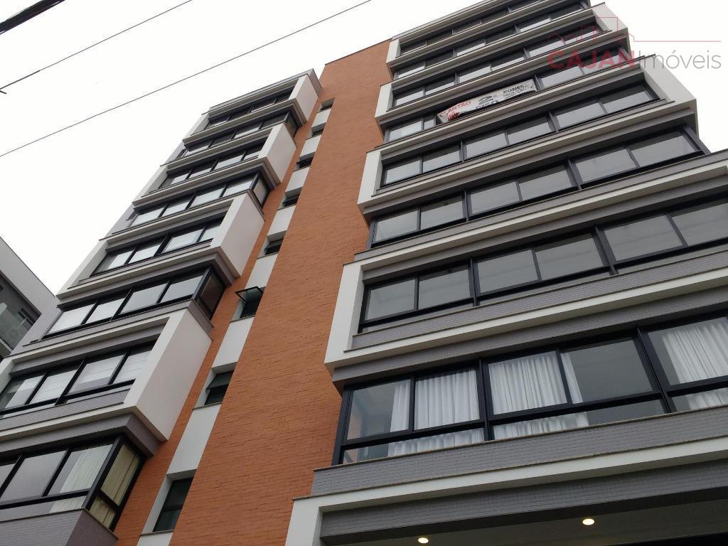 apartamento de 3 dormitórios com 2 vagas de garagem no bairro menino deus. living amplo com...
